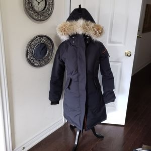 Small Outdoor Survival Canada parka like new.